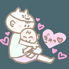 赤ちゃんとママ猫の日常